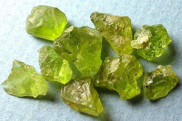Камень хризолит талисманы и амулеты