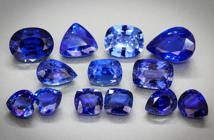 Камни сапфира