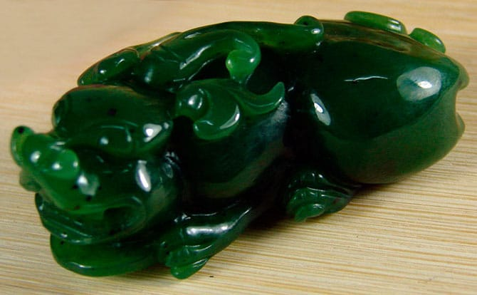 Камень нефрит - изделие