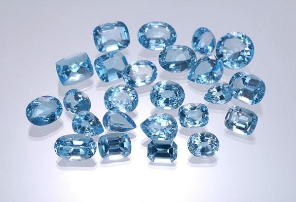маленькие камни топаза