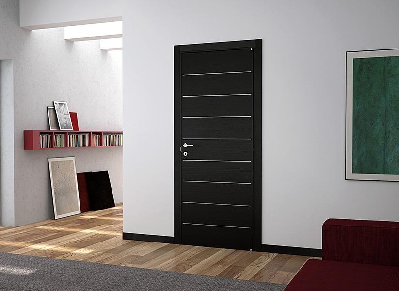 темная дверь в квартире